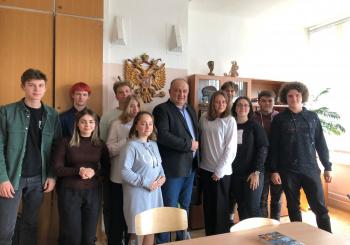 Член генерального совета «Деловой России» Валерий Калюжный провёл лекцию в школе рамках марафона «Новое Знание»