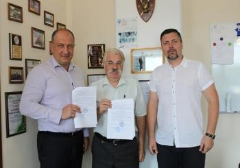 02 августа 2018 года АНО «ВИРО-ДВЦ» и Ассоциация «БК «Авангард» подписали партнерское соглашение о сотрудничестве