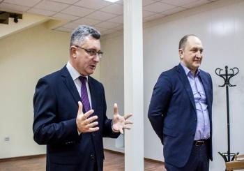 "VOSTOKMEDIA: ""Бизнесмены Владивостока взялись за прописи"""